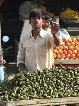 Торгівець корінням лотосу.